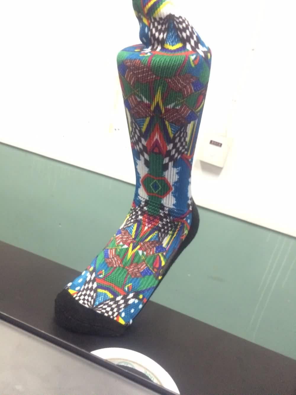 2016 Newest compression custom sports cycling socks,digital socks printing
