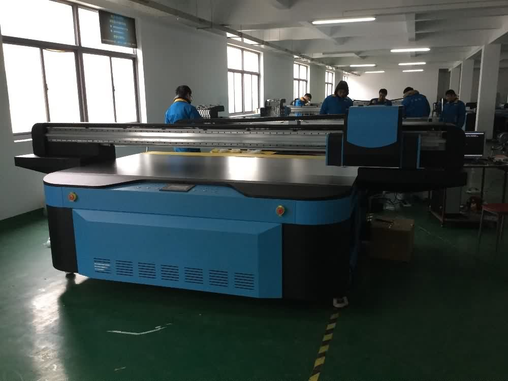 14 Years manufacturer Industrial 2500x1300mm UV FLATBED PRINTER with LED LAMP to Slovenia Manufacturer