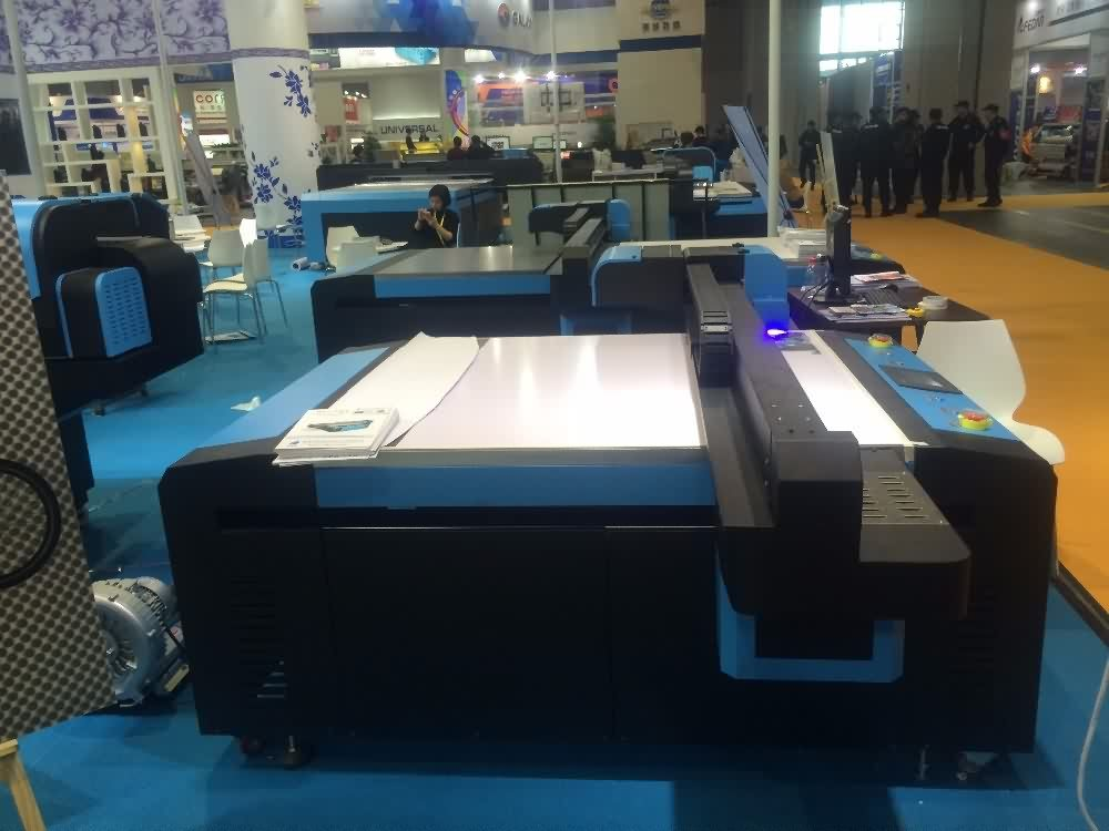 Metal printer, UV Flatbed UV printer. UV2513