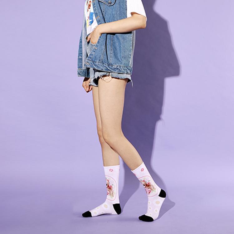 Wholesale New Korea Design Red Strawberry Pattern Women Socks Fun, Women S Socks Featured Image
