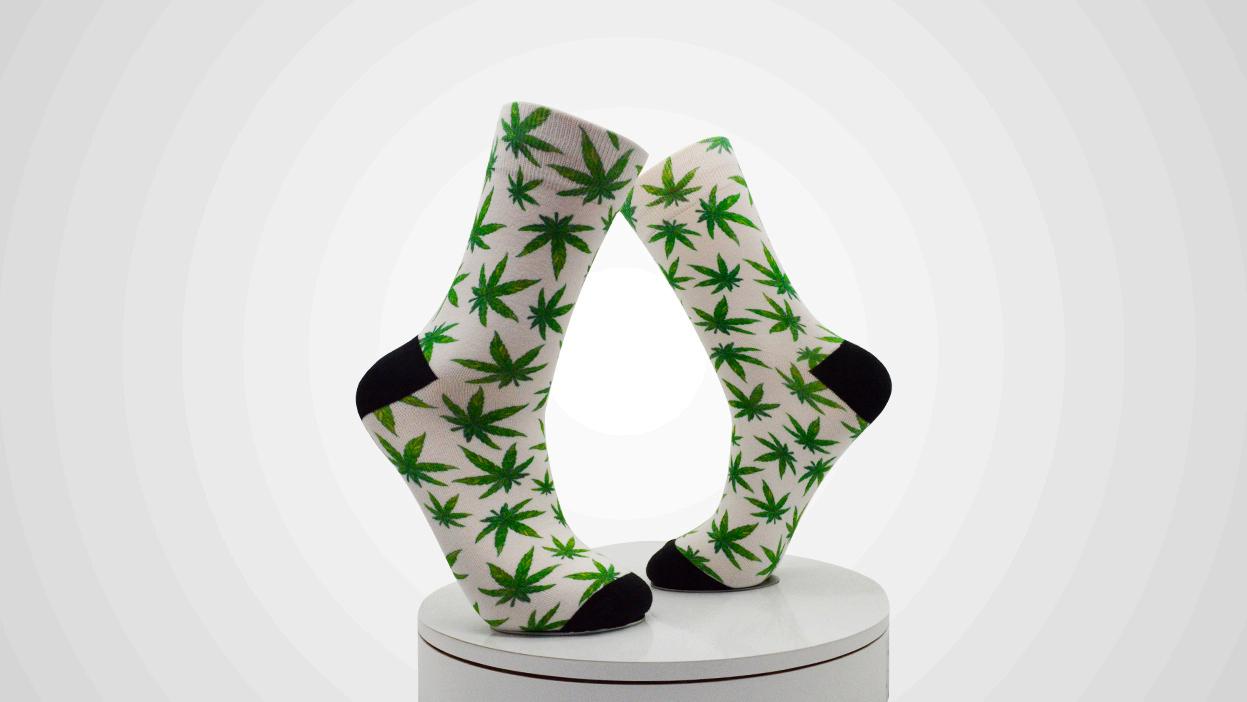 Fashion OEM Custom Socks Men Color Printed Socks Featured Image